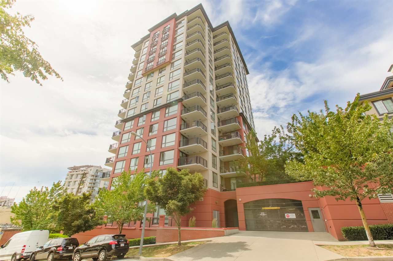 "Main Photo: 1302 833 AGNES Street in New Westminster: Downtown NW Condo for sale in ""NEWS"" : MLS®# R2380511"