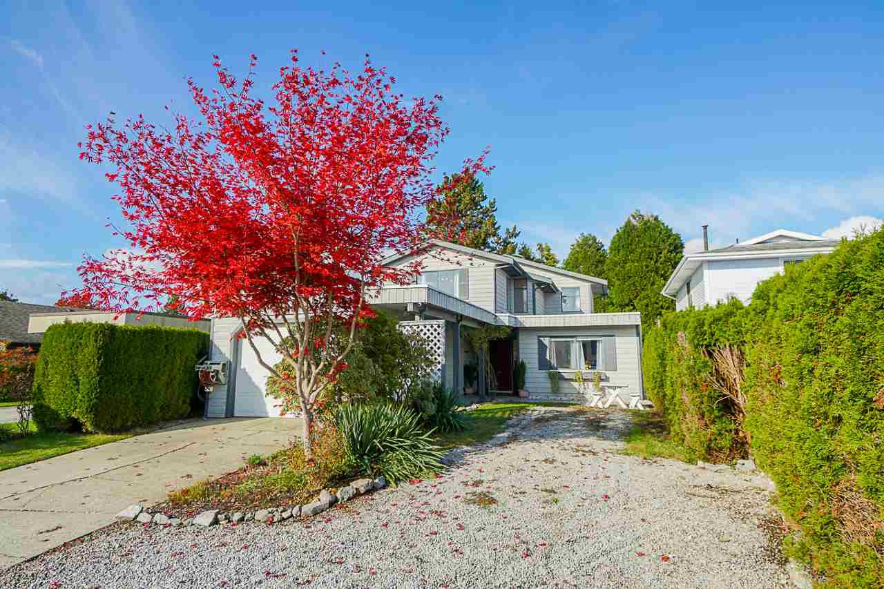 Main Photo: 19027 117A Avenue in Pitt Meadows: Central Meadows House for sale : MLS®# R2415432