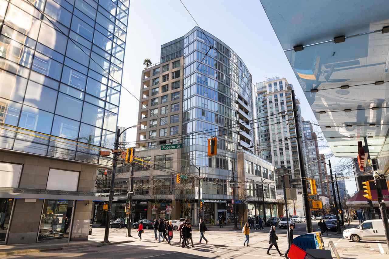 """Main Photo: 409 822 SEYMOUR Street in Vancouver: Downtown VW Condo for sale in """"L'Aria"""" (Vancouver West)  : MLS®# R2444426"""