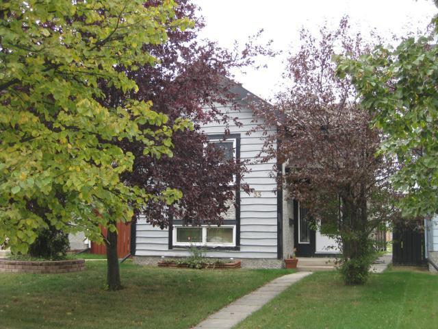 Main Photo: 33 Maitland Drive in WINNIPEG: St Vital Residential for sale (South East Winnipeg)  : MLS®# 1119353
