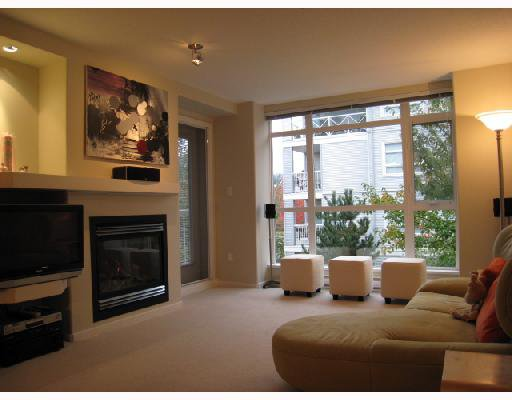 Photo 3: Photos: 202 3148 St Johns Street in Port Moody: Port Moody Centre Condo for sale : MLS®# V674162