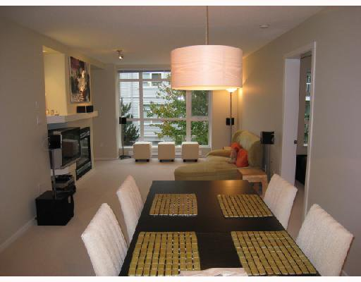 Photo 1: Photos: 202 3148 St Johns Street in Port Moody: Port Moody Centre Condo for sale : MLS®# V674162