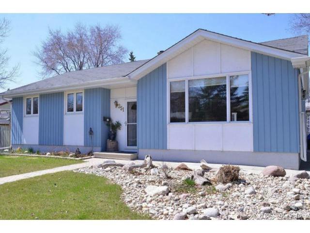Main Photo: 251 Dussault Avenue in WINNIPEG: Windsor Park / Southdale / Island Lakes Residential for sale (South East Winnipeg)  : MLS®# 1409904