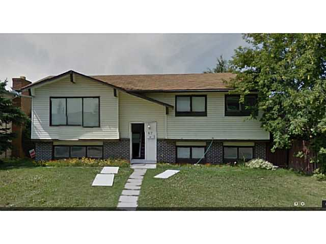 Main Photo: 67 RUNDLEFIELD Close NE in CALGARY: Rundle Residential Detached Single Family for sale (Calgary)  : MLS®# C3616942