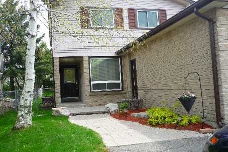 Main Photo: 1323 Cherrydown Drive Oshawa L1H 8C8
