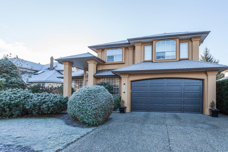 Main Photo: 14444 18A Avenue in Surrey: Sunnyside Park Surrey House for sale (South Surrey White Rock)  : MLS®# R2018245