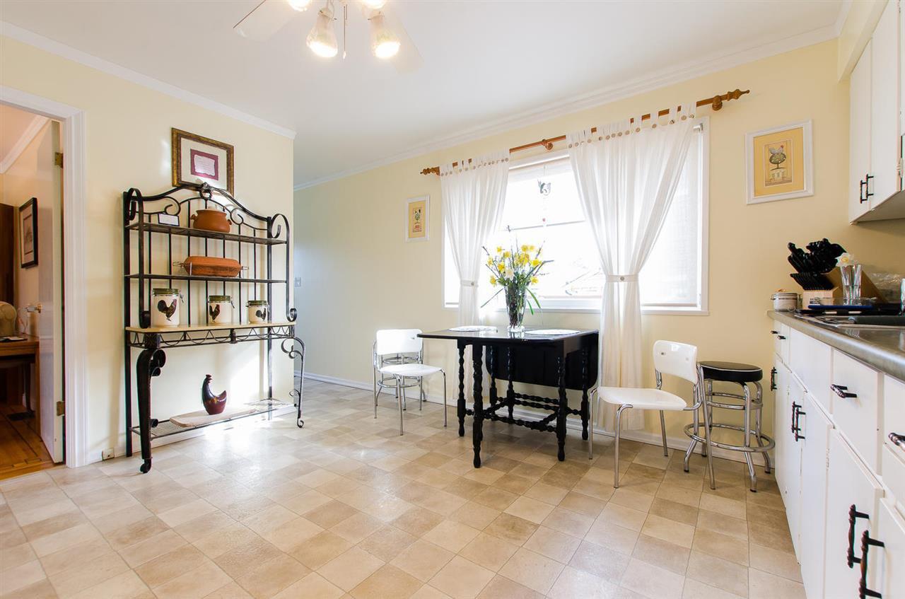 Photo 9: Photos: 5546 45 Avenue in Delta: Delta Manor House for sale (Ladner)  : MLS®# R2046612