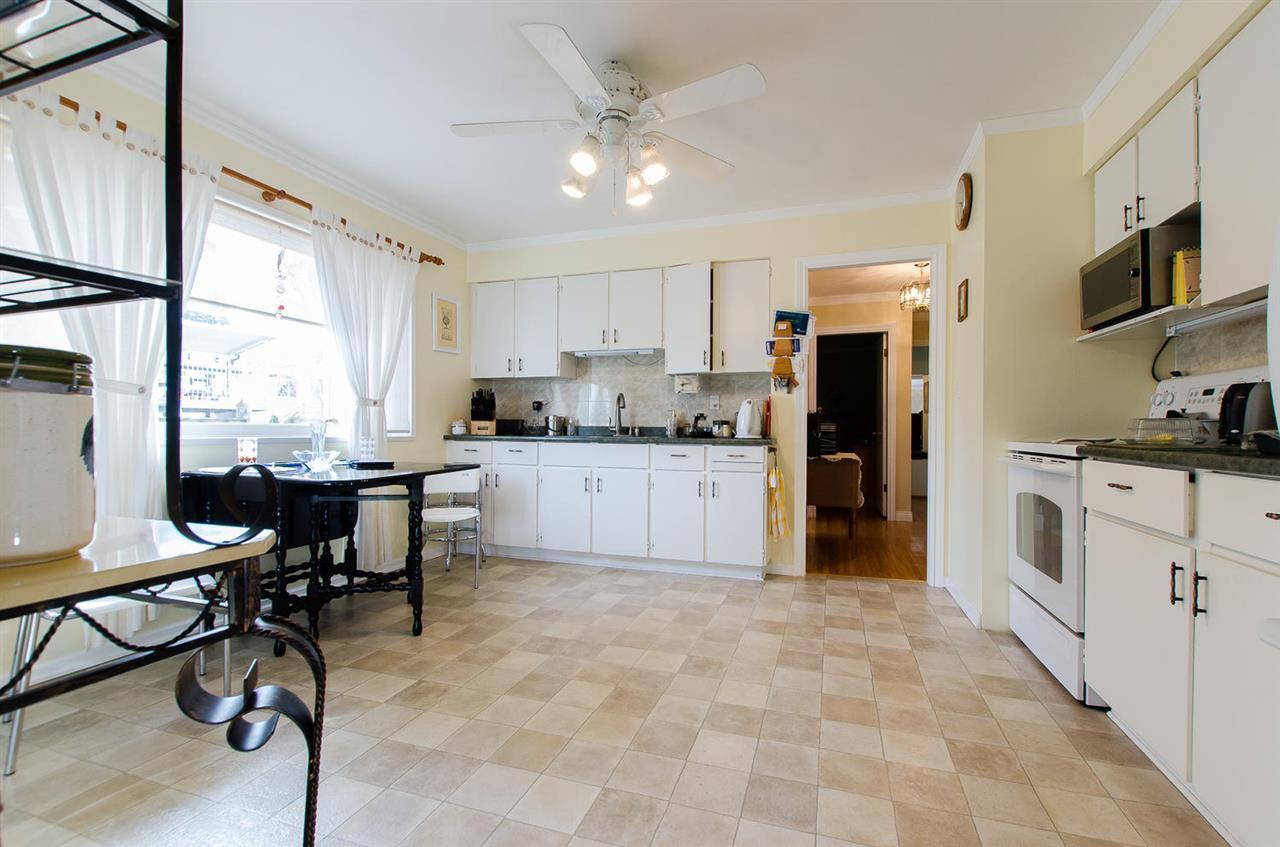 Photo 8: Photos: 5546 45 Avenue in Delta: Delta Manor House for sale (Ladner)  : MLS®# R2046612