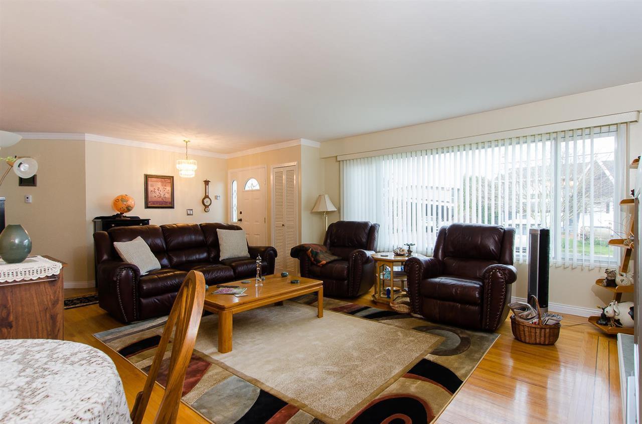 Photo 4: Photos: 5546 45 Avenue in Delta: Delta Manor House for sale (Ladner)  : MLS®# R2046612