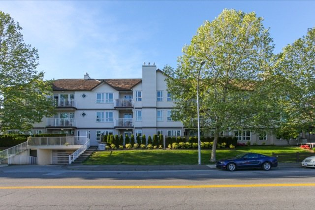 """Main Photo: 303 17727 58 Avenue in Surrey: Cloverdale BC Condo for sale in """"DERBY DOWNS"""" (Cloverdale)  : MLS®# R2063729"""