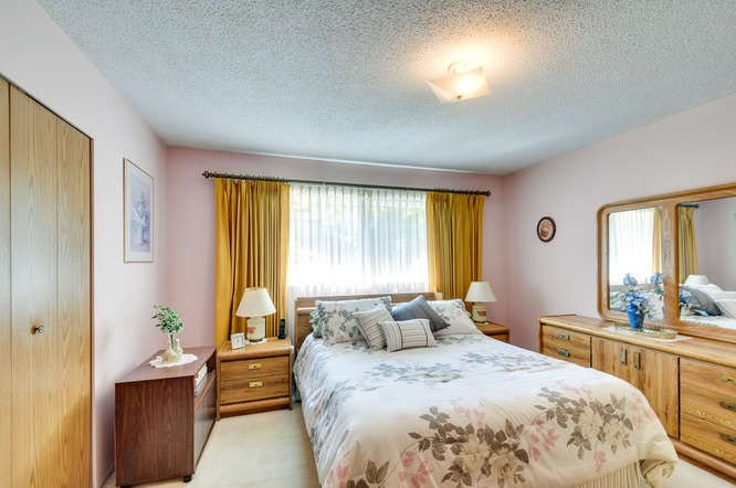 Photo 12: Photos: 15506 19 Avenue in Surrey: King George Corridor House for sale (South Surrey White Rock)  : MLS®# R2200836