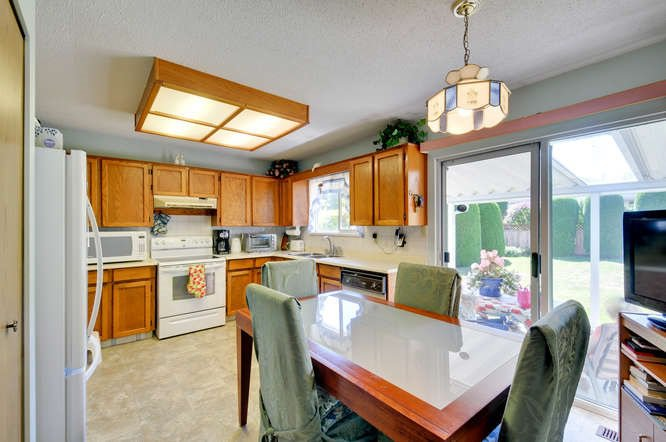 Photo 8: Photos: 15506 19 Avenue in Surrey: King George Corridor House for sale (South Surrey White Rock)  : MLS®# R2200836