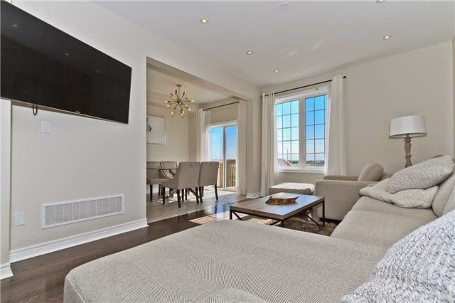 Photo 9: Photos: 420 Bessborough Drive in Milton: Harrison House (2-Storey) for sale : MLS®# W4047248