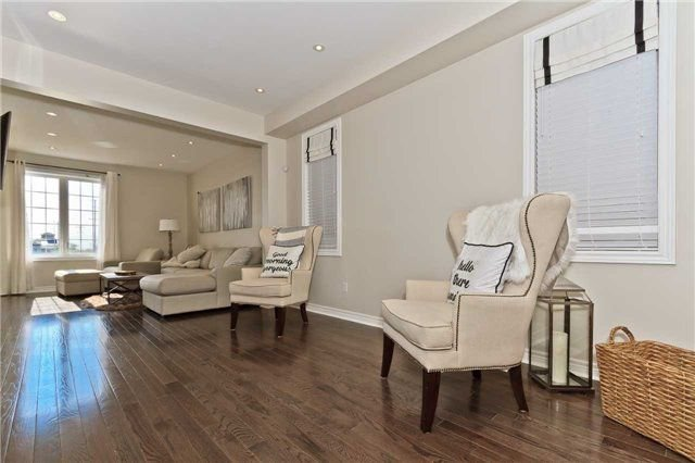 Photo 3: Photos: 420 Bessborough Drive in Milton: Harrison House (2-Storey) for sale : MLS®# W4047248
