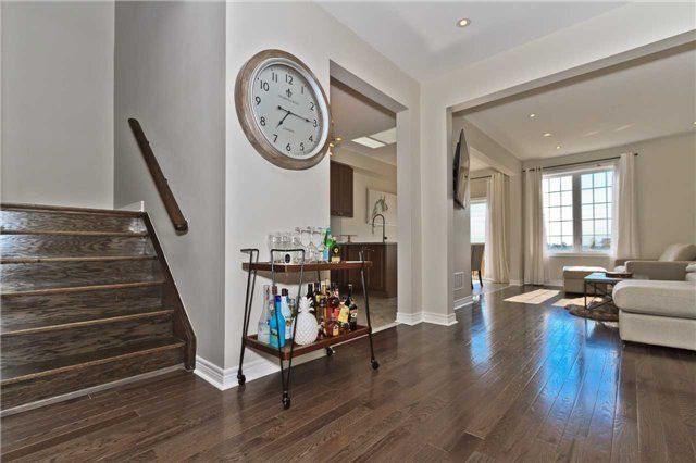 Photo 11: Photos: 420 Bessborough Drive in Milton: Harrison House (2-Storey) for sale : MLS®# W4047248