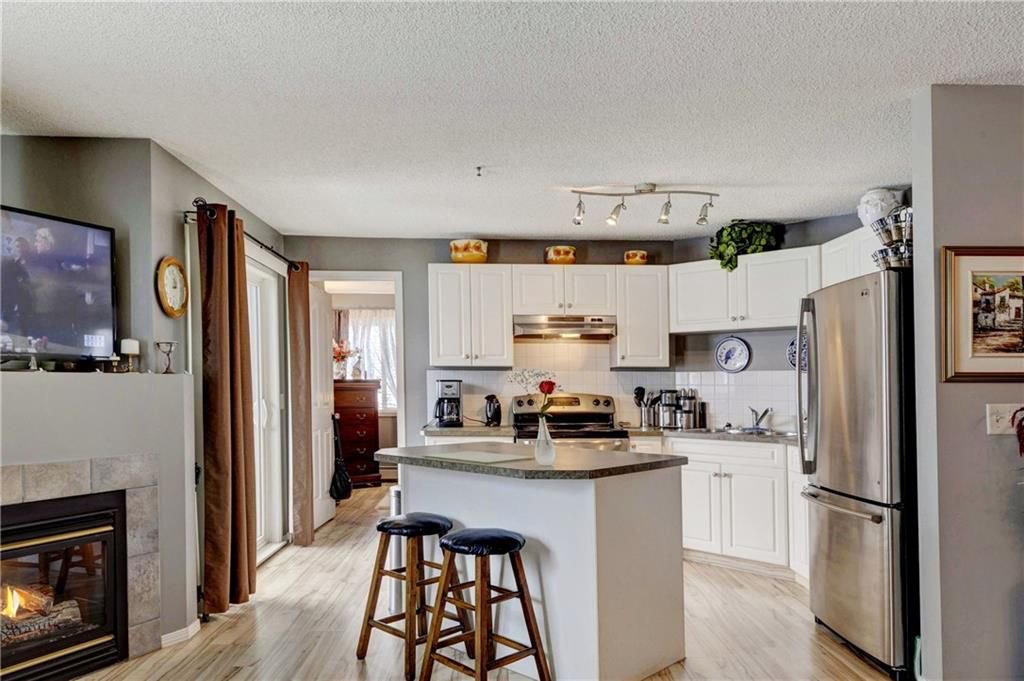 Main Photo: 3202 VALLEYVIEW Park SE in Calgary: Dover Condo for sale : MLS®# C4174918