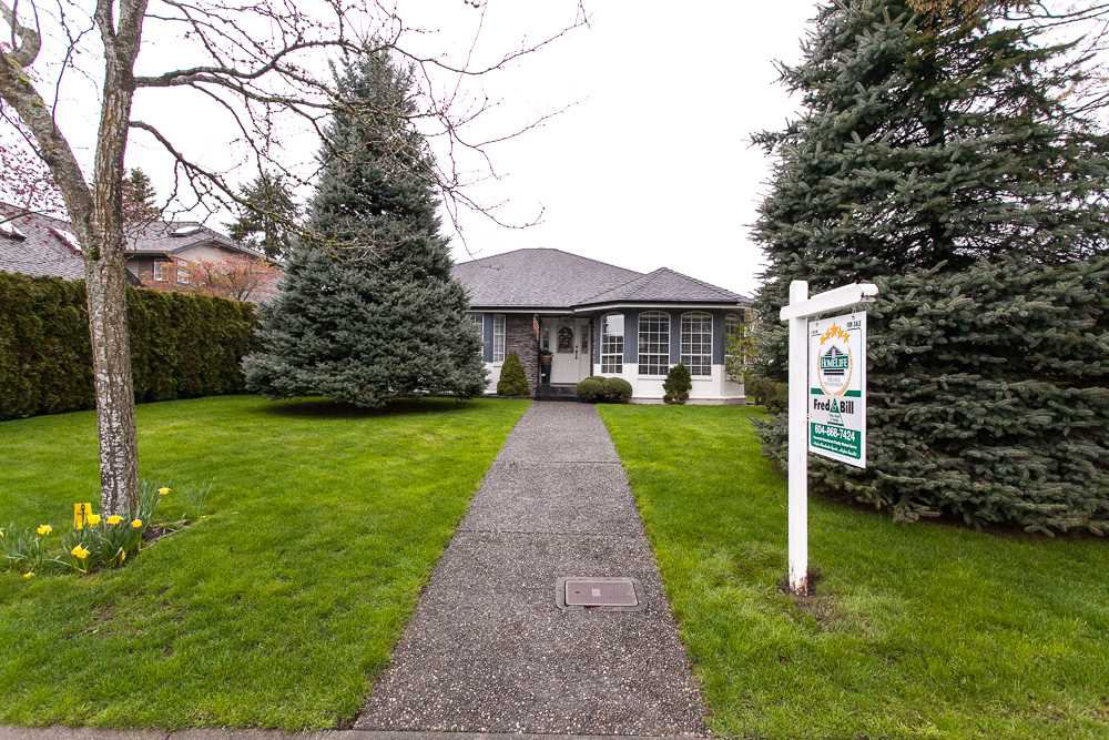 Main Photo: 18963 63B Avenue in Surrey: Cloverdale BC House for sale (Cloverdale)  : MLS®# R2257208