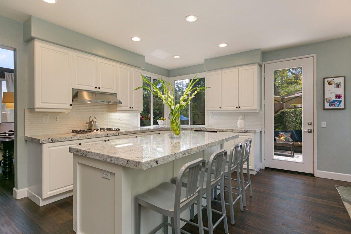 Photo 6: Photos: ENCINITAS House for sale : 5 bedrooms : 575 Kristen Ct.