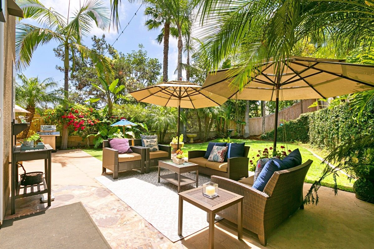 Photo 1: Photos: ENCINITAS House for sale : 5 bedrooms : 575 Kristen Ct.