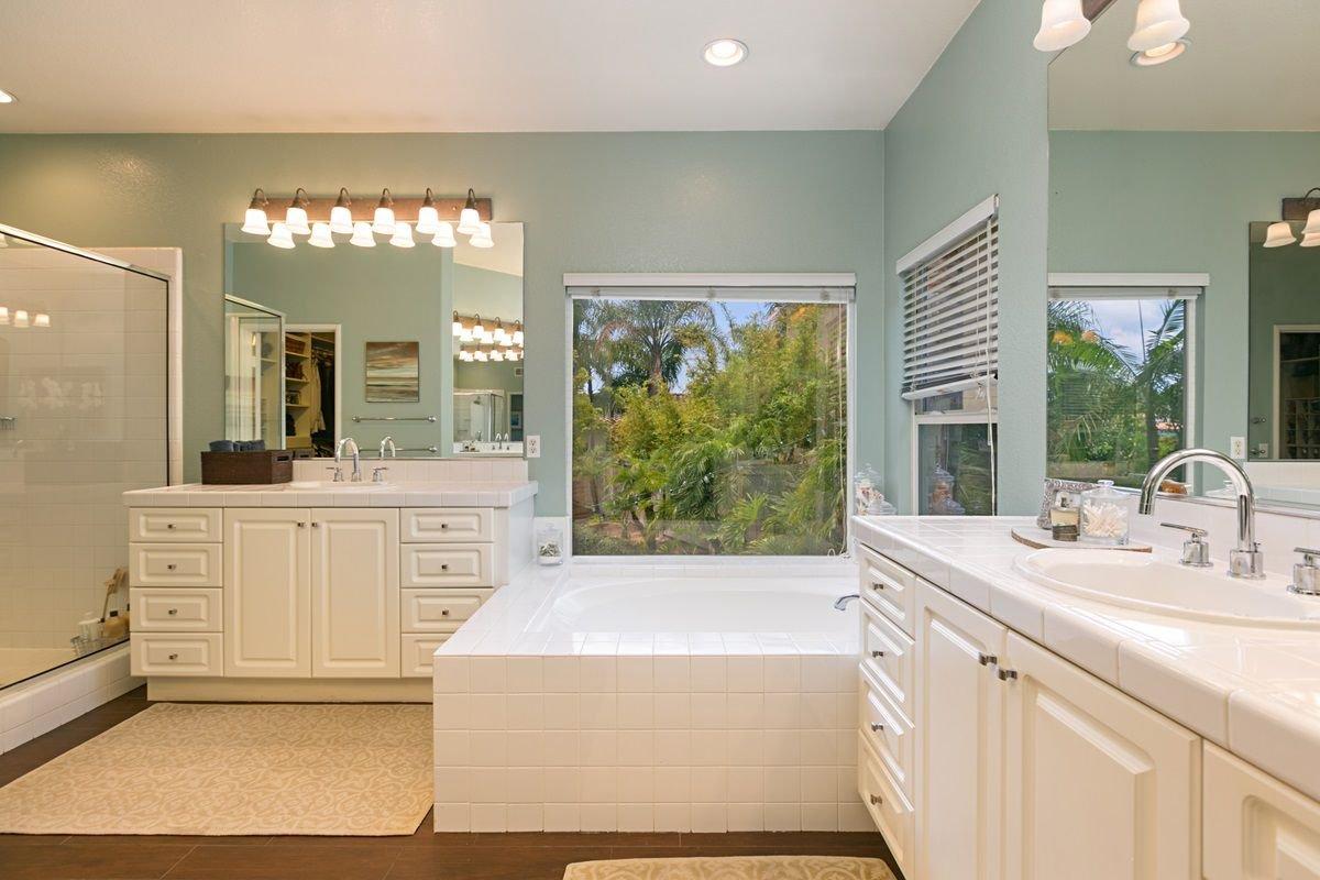 Photo 16: Photos: ENCINITAS House for sale : 5 bedrooms : 575 Kristen Ct.
