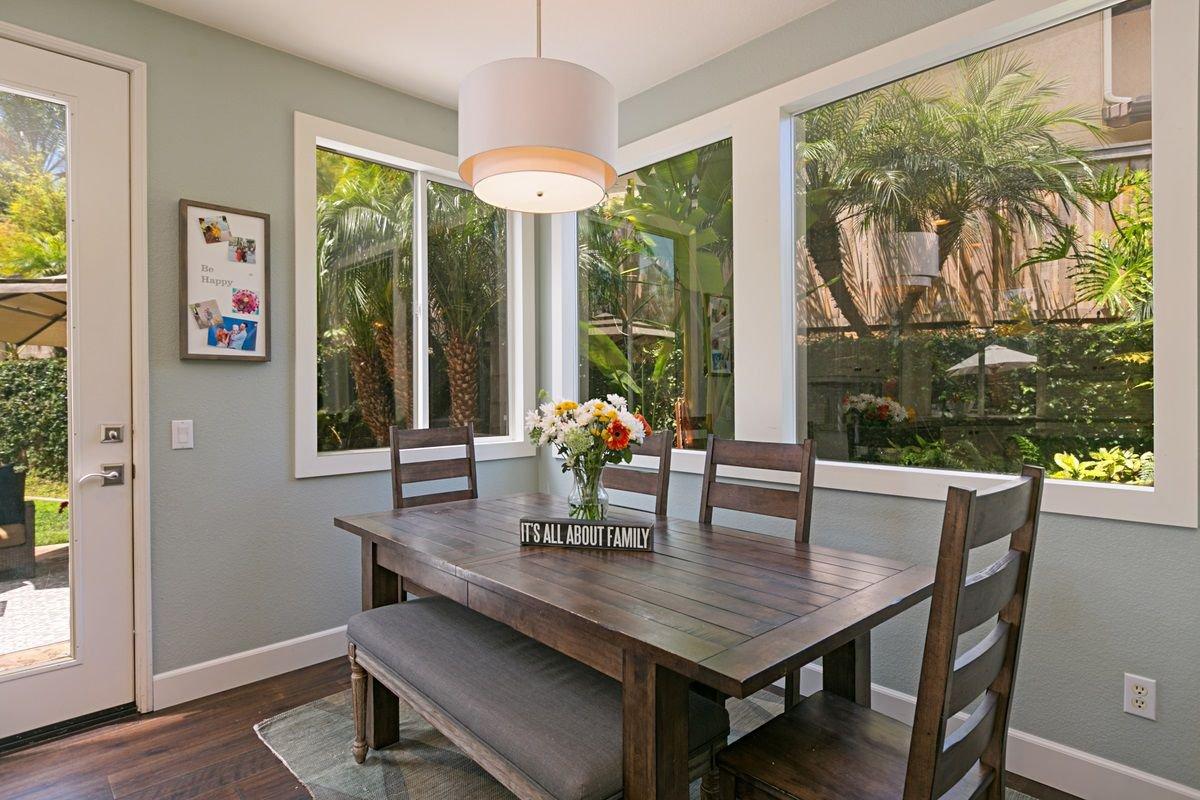 Photo 9: Photos: ENCINITAS House for sale : 5 bedrooms : 575 Kristen Ct.