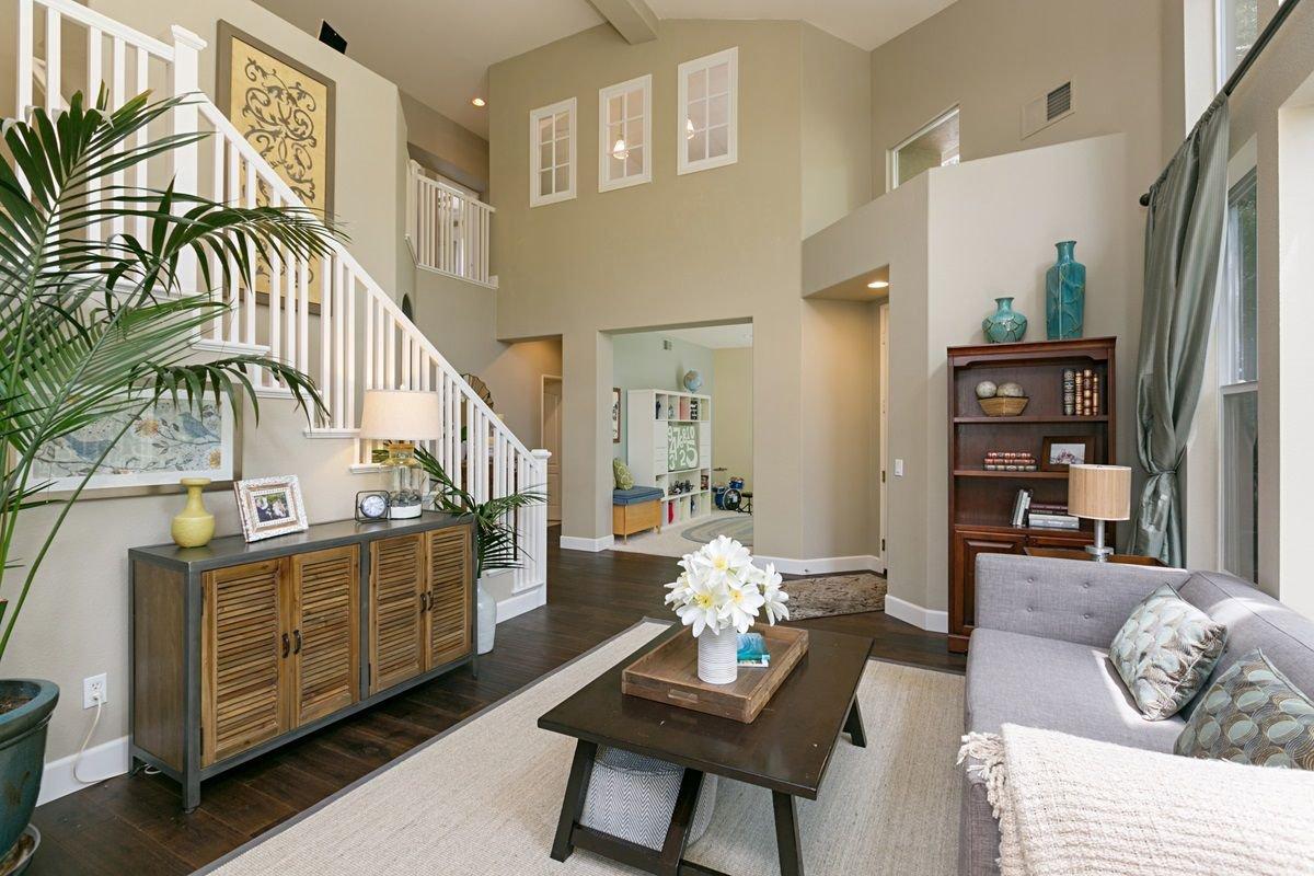 Photo 3: Photos: ENCINITAS House for sale : 5 bedrooms : 575 Kristen Ct.