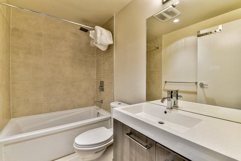 "Photo 10: Photos: 1905 668 COLUMBIA Street in New Westminster: Quay Condo for sale in ""TRAPP & HOLBROOK"" : MLS®# R2285004"