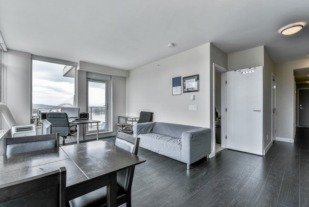 "Photo 4: Photos: 1905 668 COLUMBIA Street in New Westminster: Quay Condo for sale in ""TRAPP & HOLBROOK"" : MLS®# R2285004"