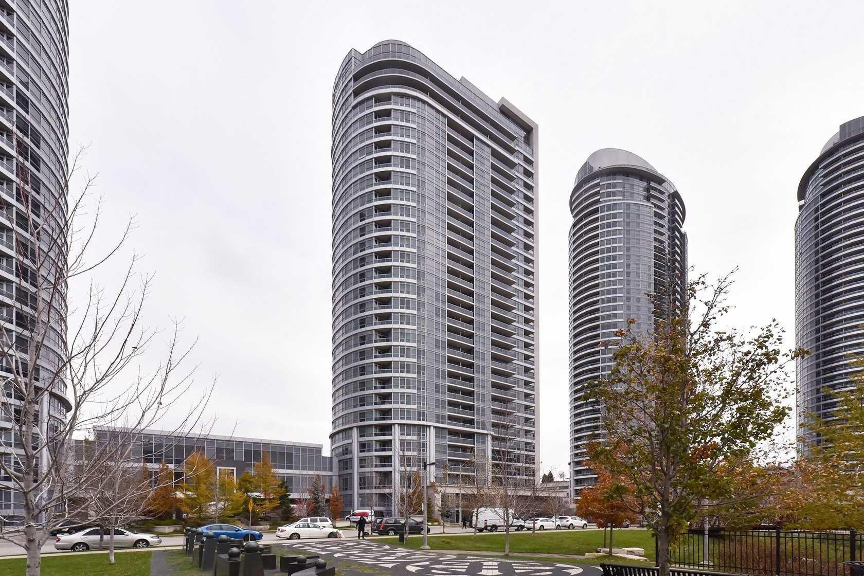 Main Photo: 1707 151 Village Green Square in Toronto: Agincourt South-Malvern West Condo for sale (Toronto E07)  : MLS®# E4304064