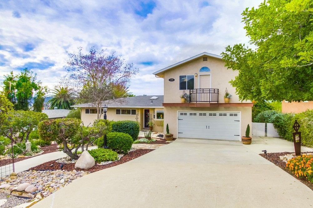 Main Photo: EL CAJON House for sale : 5 bedrooms : 1426 ROXANNE DR