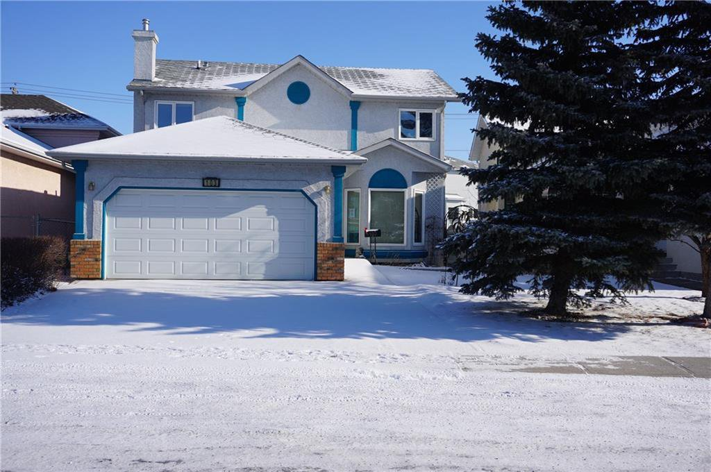 Main Photo: 103 APPLEWOOD Way SE in Calgary: Applewood Park Detached for sale : MLS®# C4225853