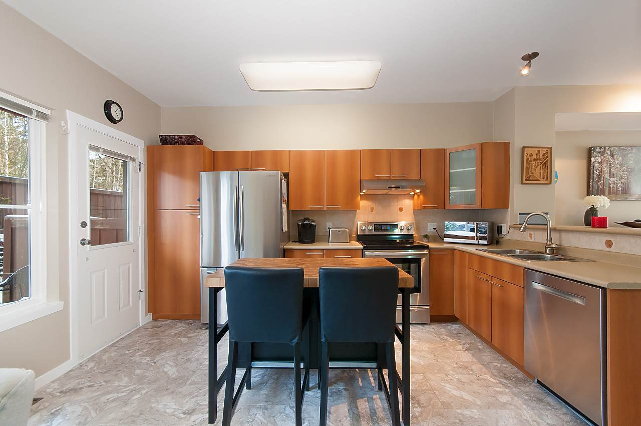 """Main Photo: 134 2000 PANORAMA Drive in Port Moody: Heritage Woods PM Townhouse for sale in """"MOUNTAINS EDGE"""" : MLS®# R2369781"""
