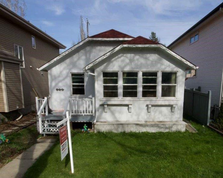 Main Photo: 9413 101 Street in Edmonton: Zone 12 House for sale : MLS®# E4157210