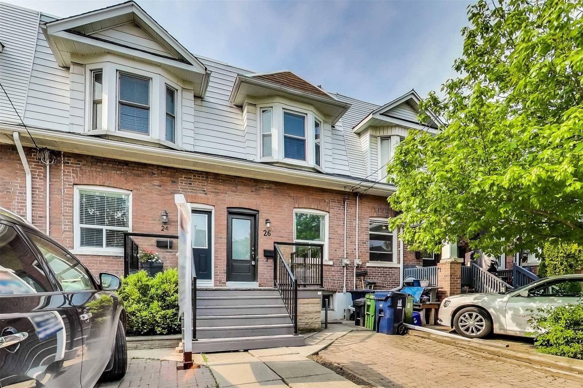 Main Photo: 26 Ashland Avenue in Toronto: Woodbine Corridor House (2-Storey) for sale (Toronto E02)  : MLS®# E4472945