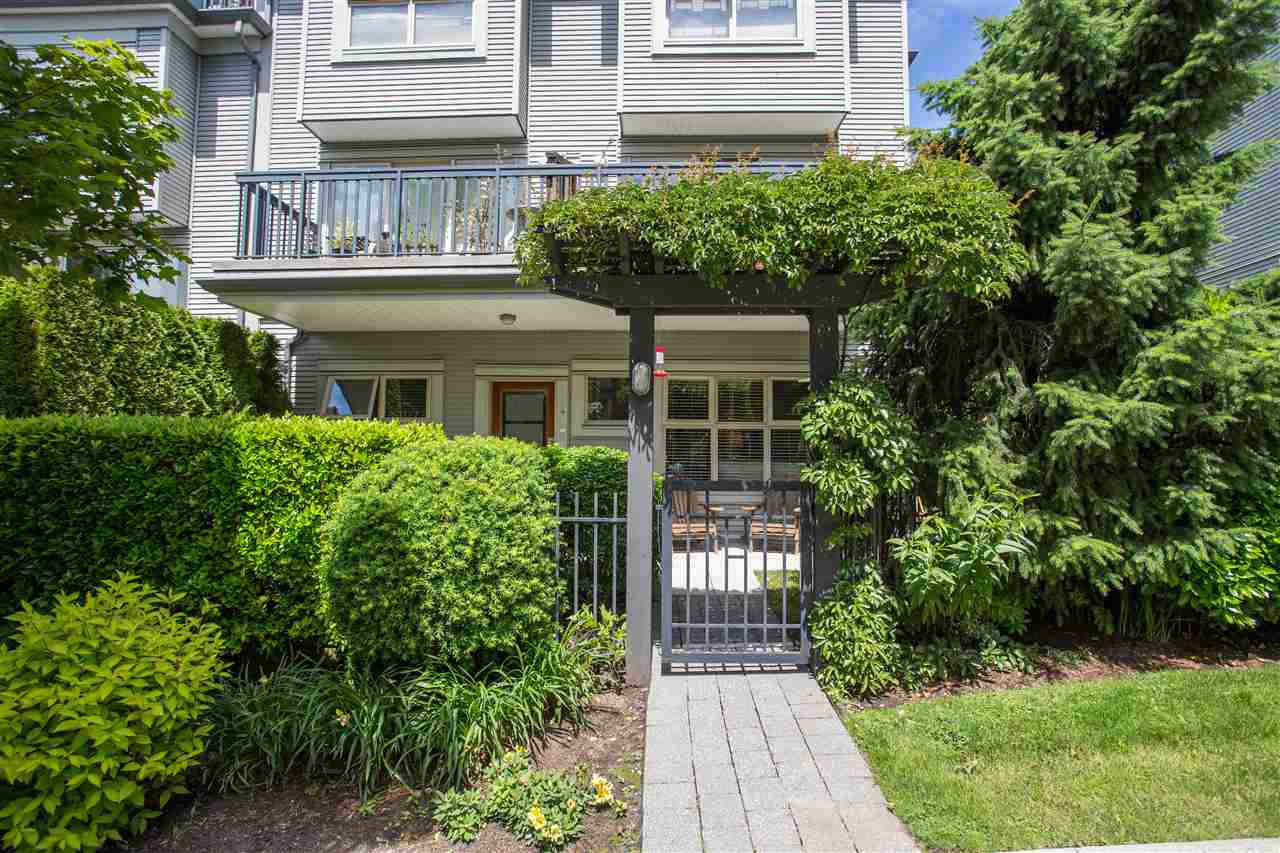 "Main Photo: 4 3855 PENDER Street in Burnaby: Willingdon Heights Townhouse for sale in ""ALTURA"" (Burnaby North)  : MLS®# R2379742"