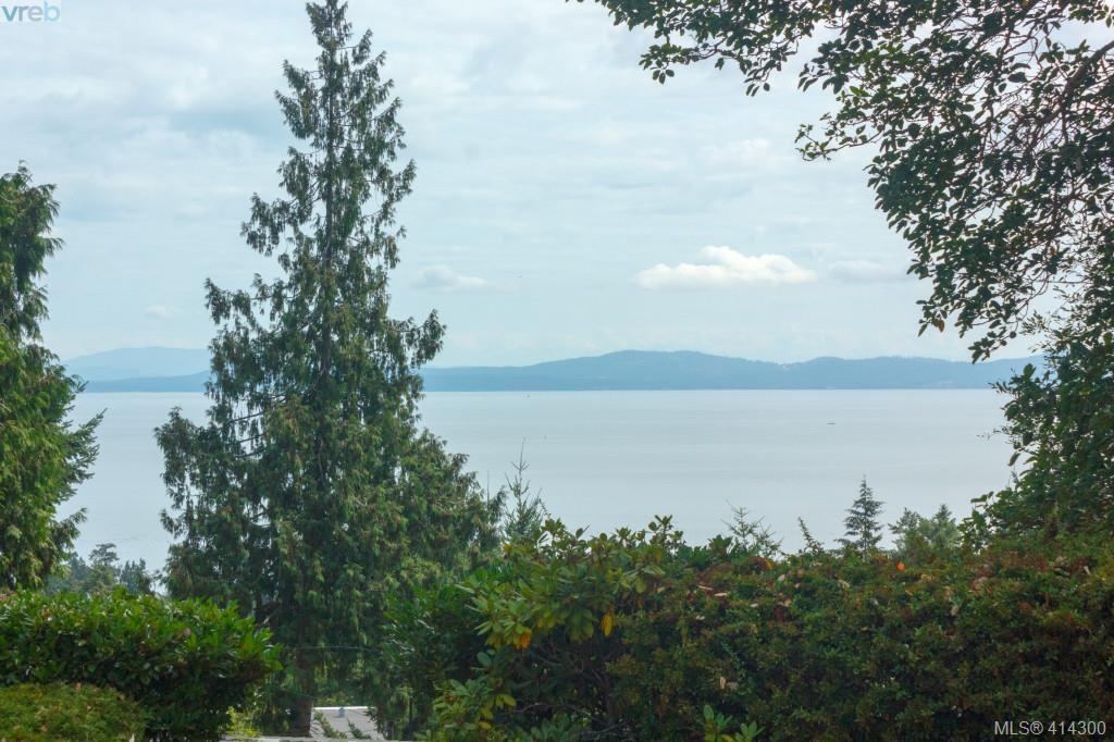 Main Photo: 820 Del Monte Lane in VICTORIA: SE Cordova Bay Single Family Detached for sale (Saanich East)  : MLS®# 414300