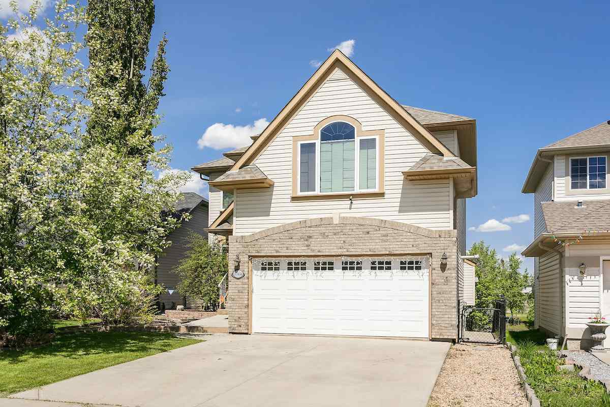 Main Photo: 1044 BARNES Way in Edmonton: Zone 55 House for sale : MLS®# E4199538