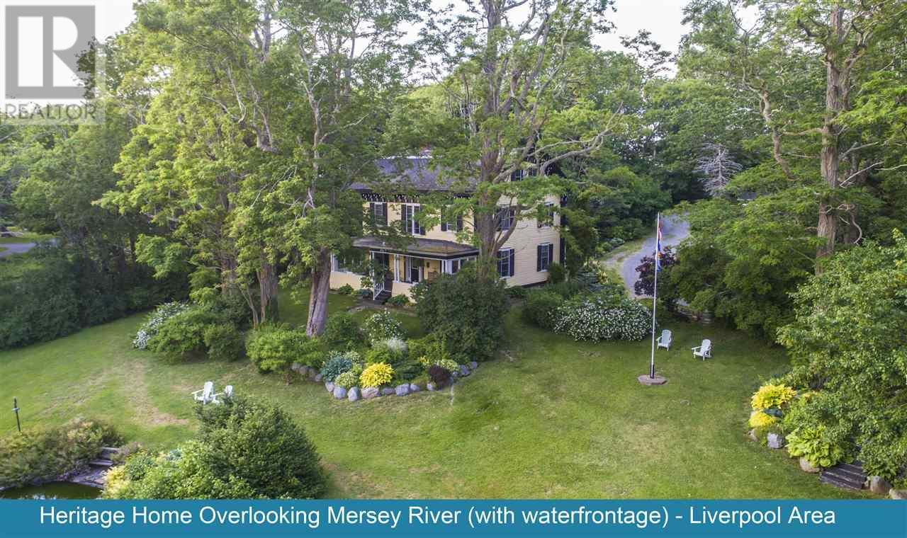 Main Photo: 147 Highway 8 in Milton: House for sale : MLS®# 202025585