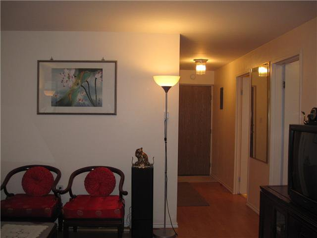 "Photo 4: Photos: # 304 6651 MINORU BV in Richmond: Brighouse Condo for sale in ""PARK TOWERS"" : MLS®# V900525"