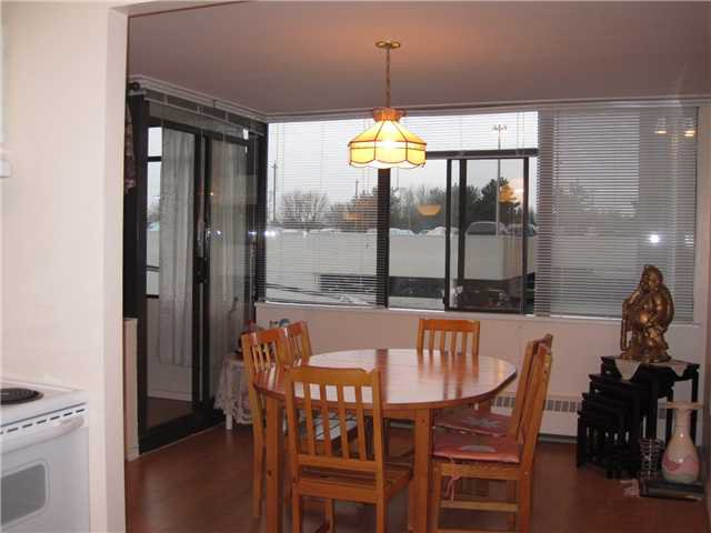 "Photo 3: Photos: # 304 6651 MINORU BV in Richmond: Brighouse Condo for sale in ""PARK TOWERS"" : MLS®# V900525"