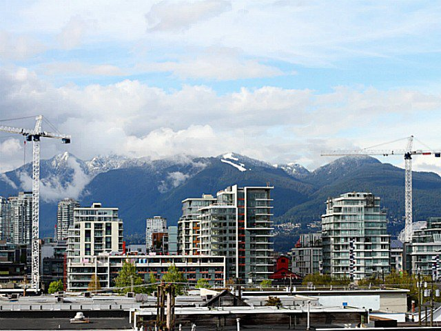 """Main Photo: 304 138 W 6TH Avenue in Vancouver: Mount Pleasant VW Condo for sale in """"Centro Lofts"""" (Vancouver West)  : MLS®# V1071816"""