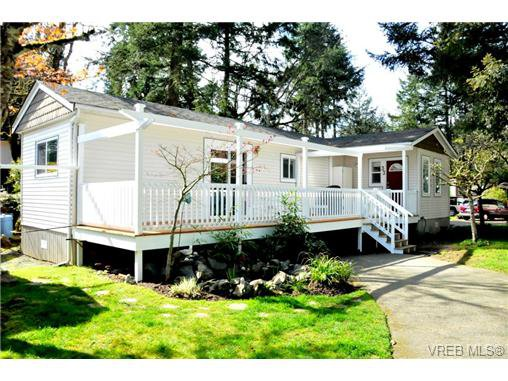 Main Photo: 33 2500 Florence Lake Rd in VICTORIA: La Florence Lake Manufactured Home for sale (Langford)  : MLS®# 689683