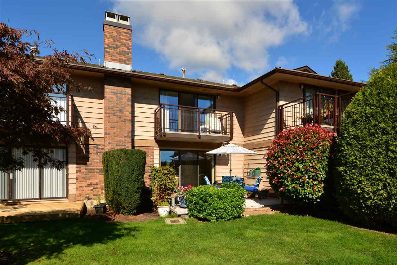 "Main Photo: 1426 NICHOL Road: White Rock Townhouse for sale in ""Ocean Ridge"" (South Surrey White Rock)  : MLS®# R2002297"