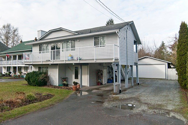 Main Photo: 8943 GLOVER Road in Langley: Fort Langley House for sale : MLS®# R2031147