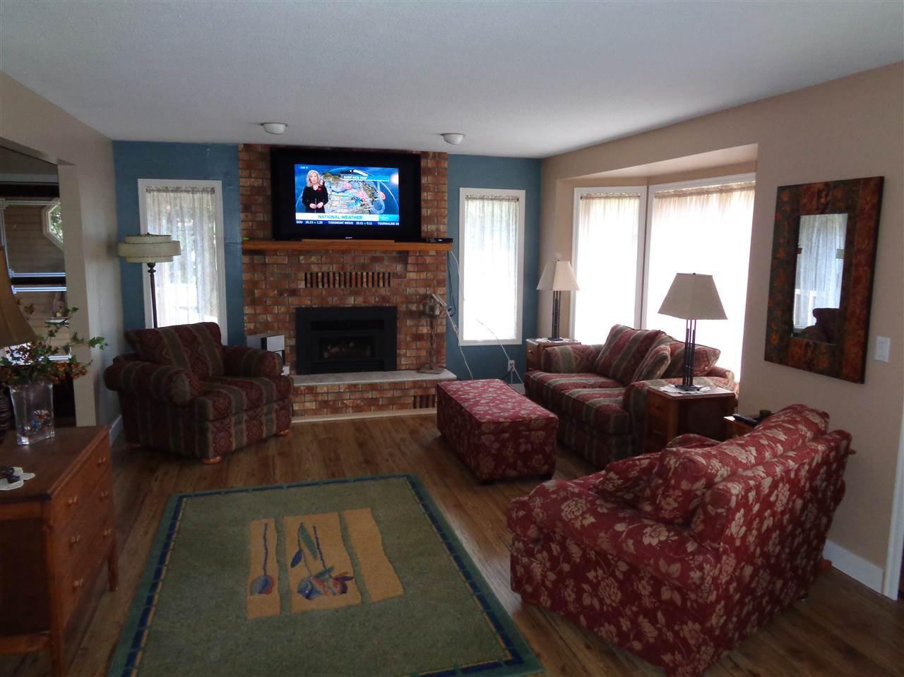 "Main Photo: 27B 7001 EDEN Drive in Sardis: Sardis West Vedder Rd Townhouse for sale in ""EDENBANK"" : MLS®# R2121288"