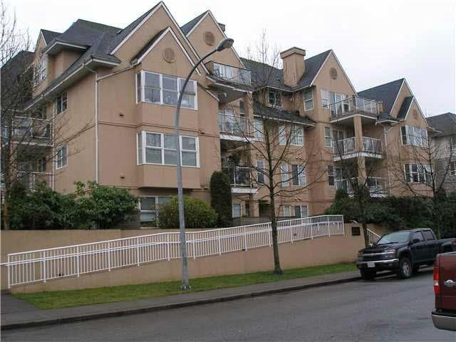 "Main Photo: 302 1558 GRANT Avenue in Port Coquitlam: Glenwood PQ Condo for sale in ""GRANT GARDENS"" : MLS®# R2125671"