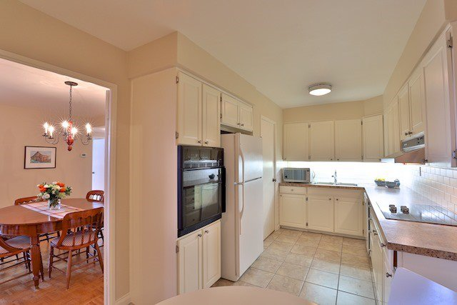 Photo 9: Photos: 615 350 Lonsdale Road in Toronto: Forest Hill South Condo for sale (Toronto C03)  : MLS®# C3694985