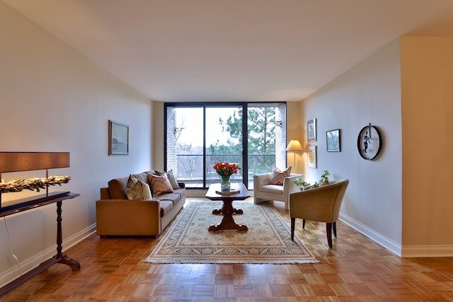 Photo 5: Photos: 615 350 Lonsdale Road in Toronto: Forest Hill South Condo for sale (Toronto C03)  : MLS®# C3694985