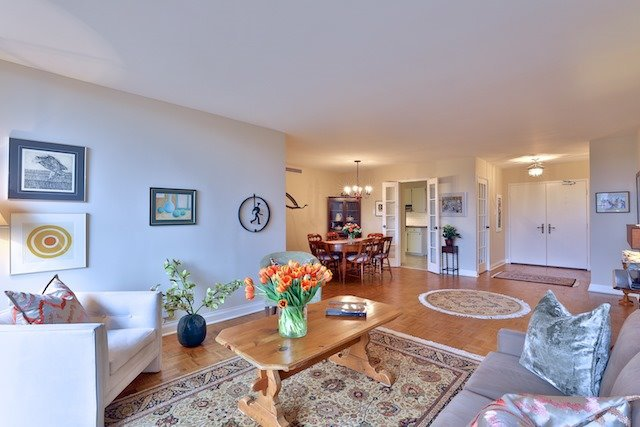 Photo 2: Photos: 615 350 Lonsdale Road in Toronto: Forest Hill South Condo for sale (Toronto C03)  : MLS®# C3694985