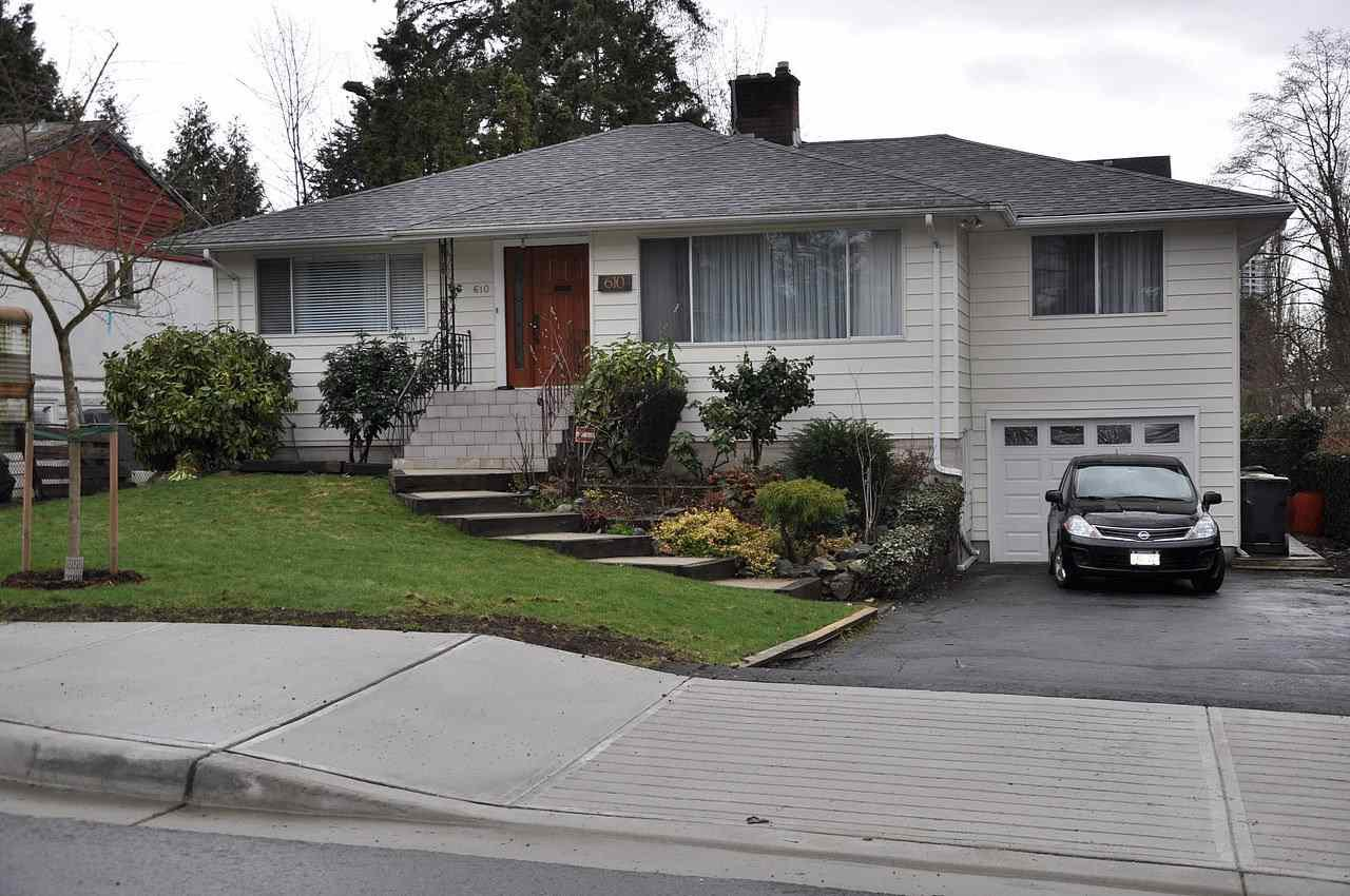 Main Photo: 610 CHAPMAN Avenue in Coquitlam: Coquitlam West House for sale : MLS®# R2149838